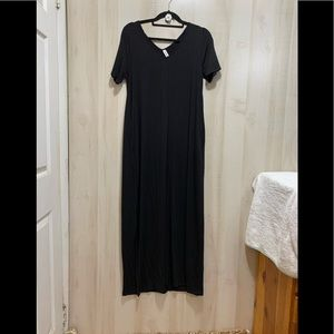 Zenana Premium Short Sleeve V-Neck Maxi Dress Med.